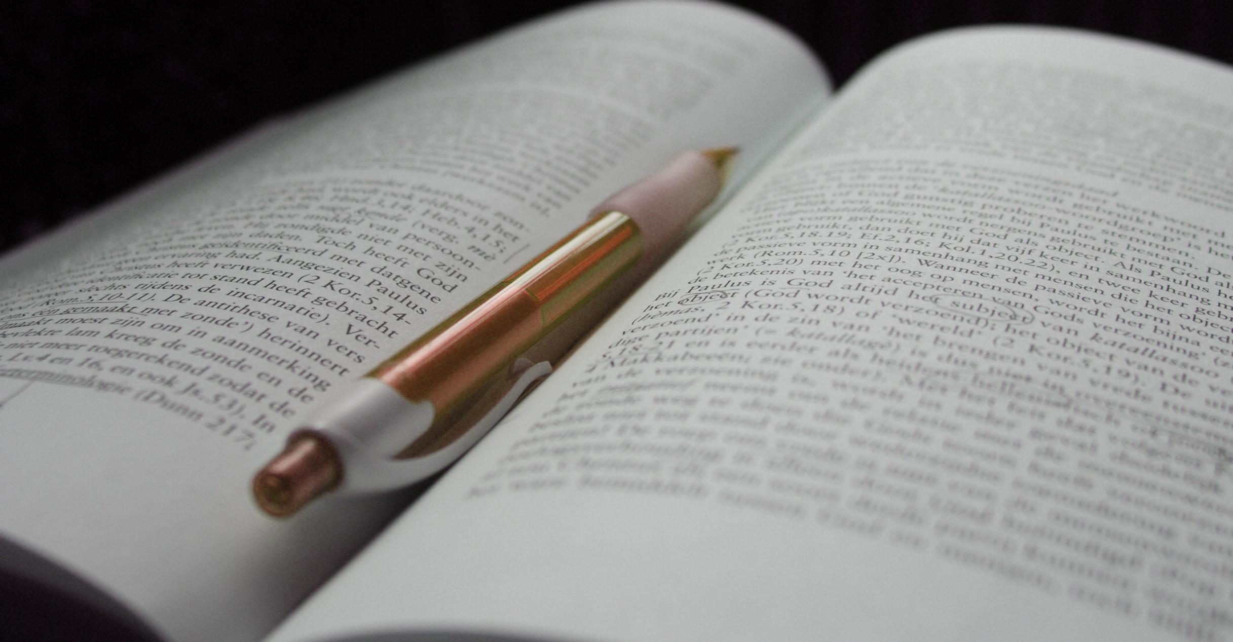 Conclure un contrat d'édition : conditions et conséquences pour le chercheur [URFIST]